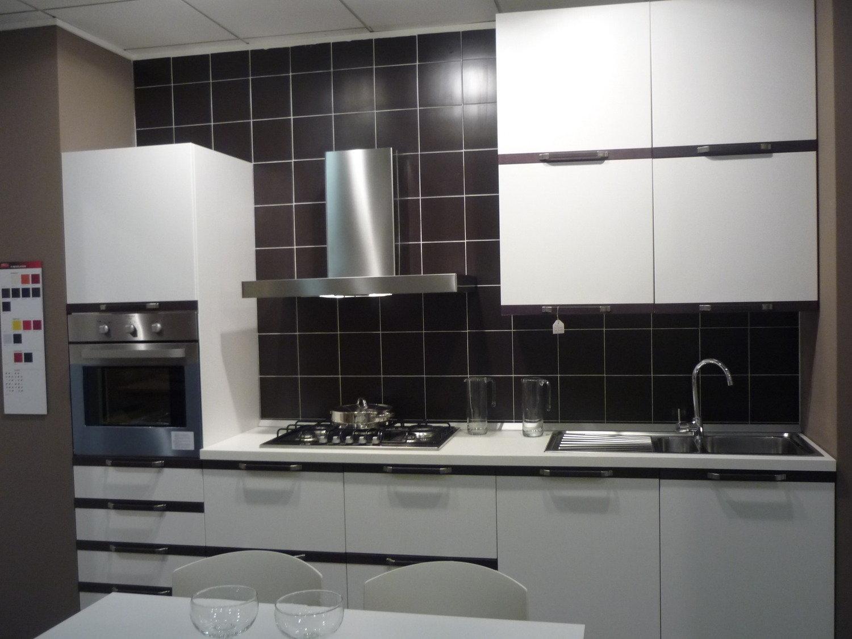 camerette marca veneta : P400 veneta cucine Cucina in offerta super economica per rinnovo ...