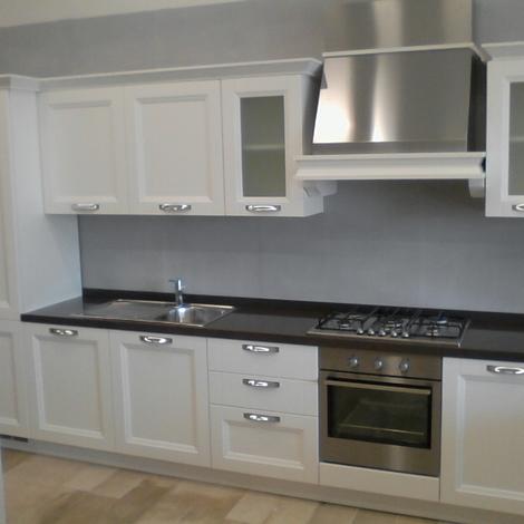 Vismap cucina giulia frassino laccato bianco classica - Cucina legno bianca ...