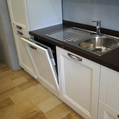 Vismap cucina giulia frassino laccato bianco classica legno bianca cucine a prezzi scontati - Cucina laccato bianco ...
