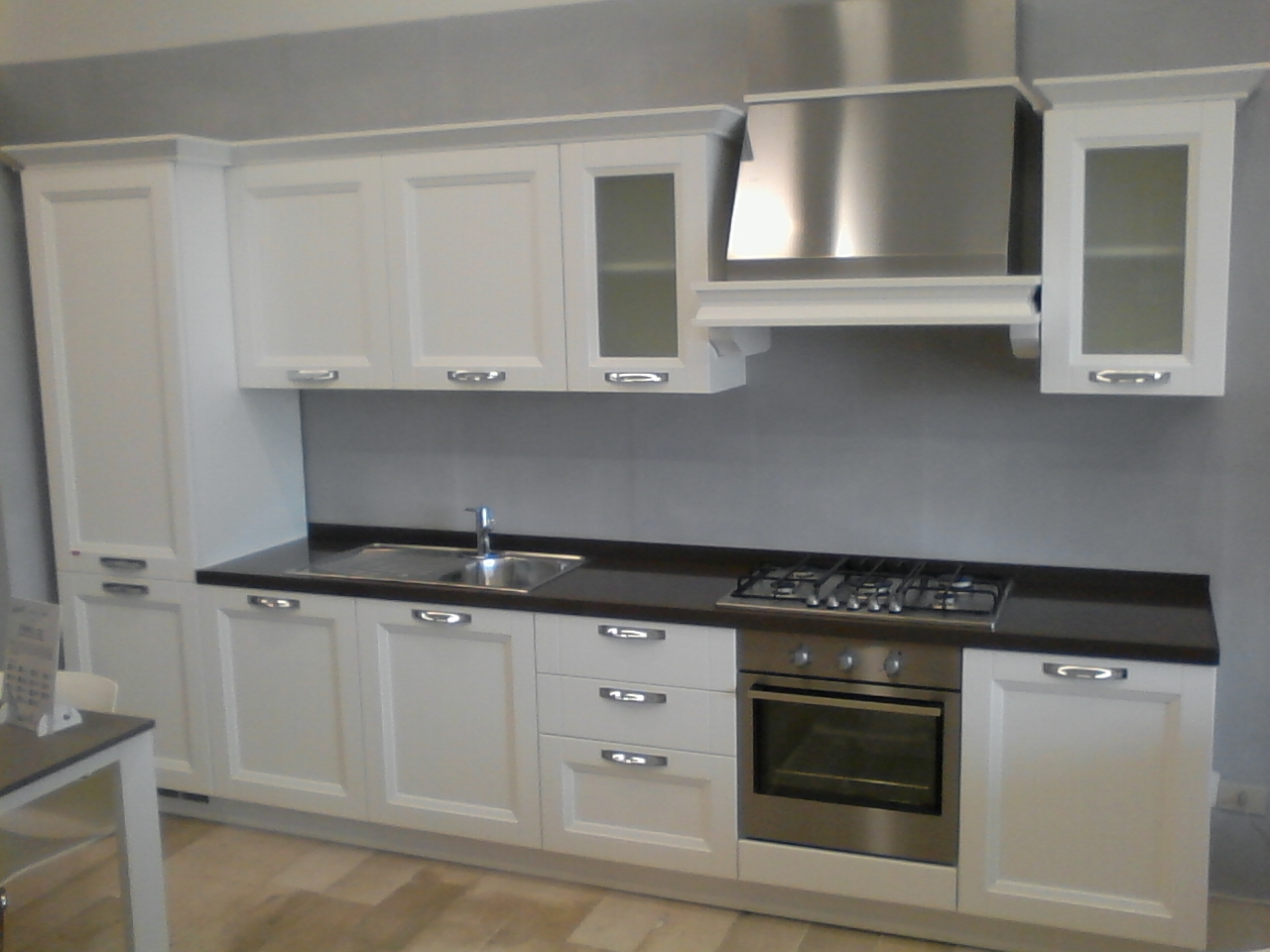 Vismap cucina giulia frassino laccato bianco classica - Cucina classica bianca ...