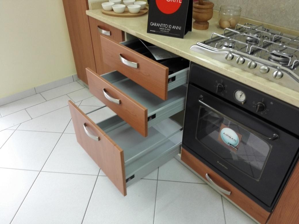 Zoe cucina moderna con elettrodomestici e top in okite - Elettrodomestici in cucina ...