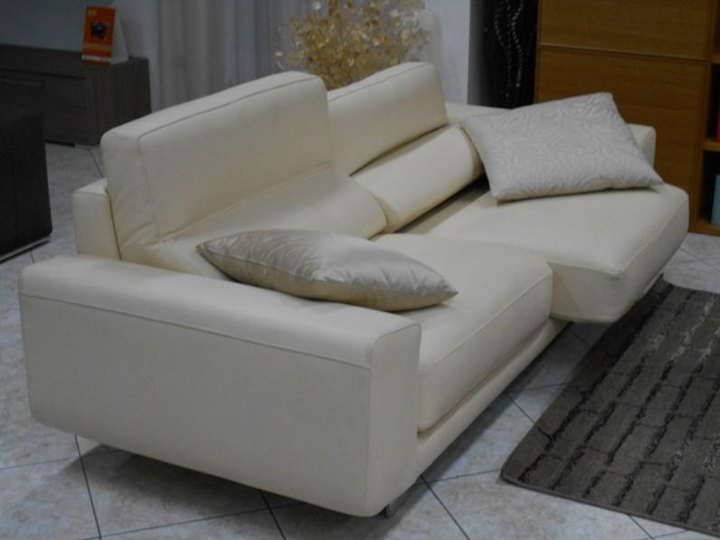 Coppia divani in pelle beige con sedute allungabili klaus - Klaus divani e divani ...