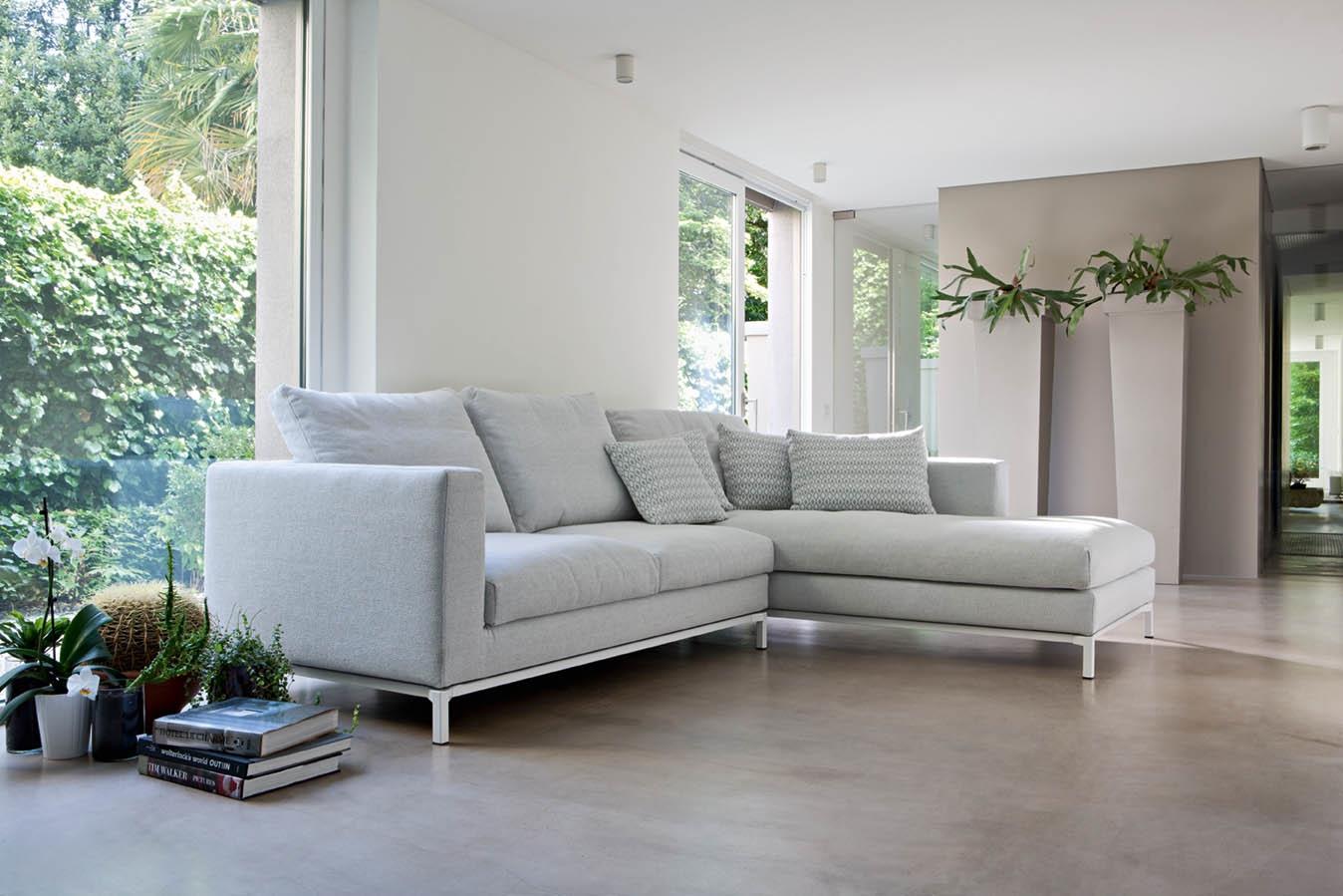 Divano colle divano con penisola divani a prezzi scontati for Divani moderni con penisola