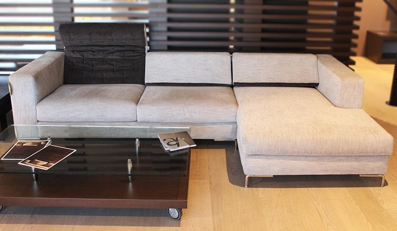 Divani cassina prezzi idee per il design della casa for Prezzi per rivestire un divano