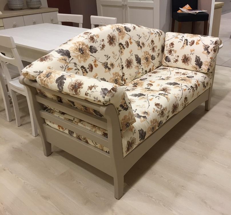 Divano callesella deco scontato del 48 divani a for Prezzi per rivestire un divano
