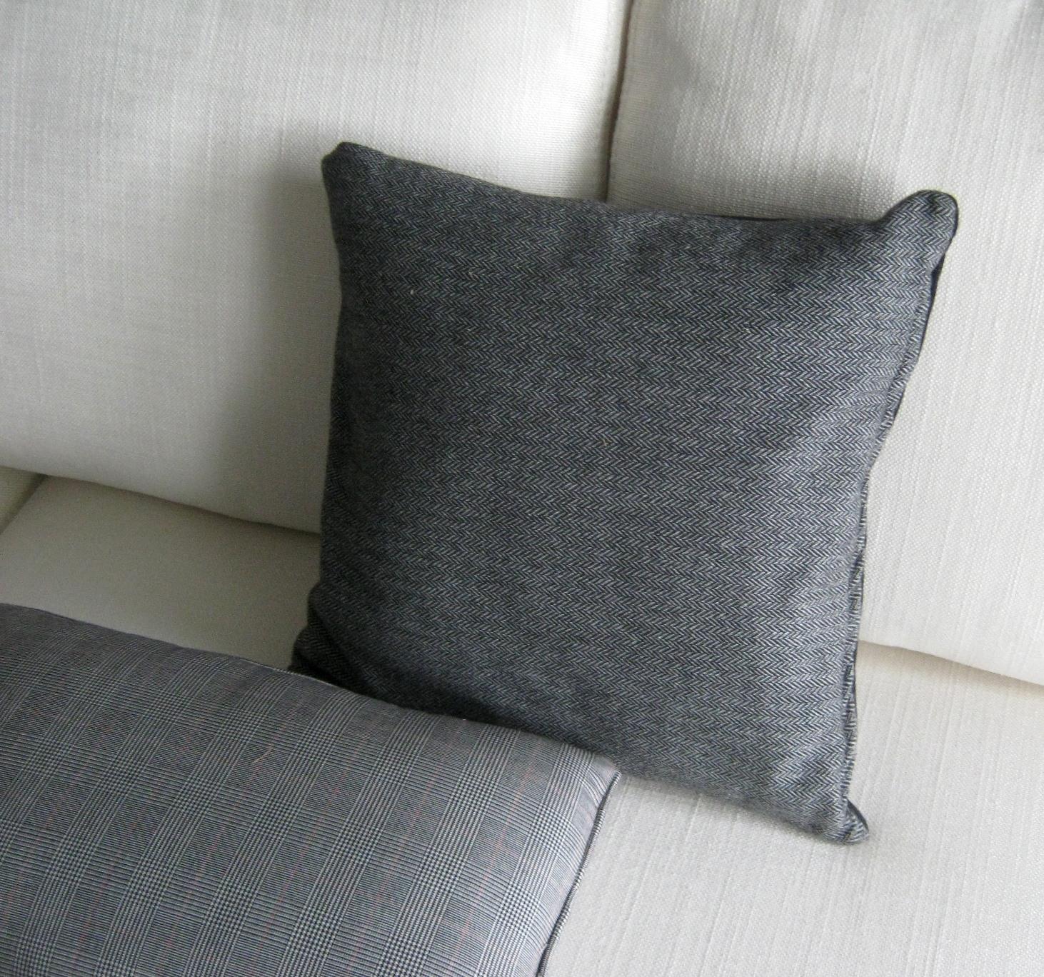 Cuscini divano letto idee per il design della casa - Cuscini decorativi per letto ...