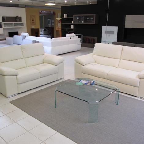 Calia divano salotto calia sottocosto pelle divani a for Divani saba prezzi