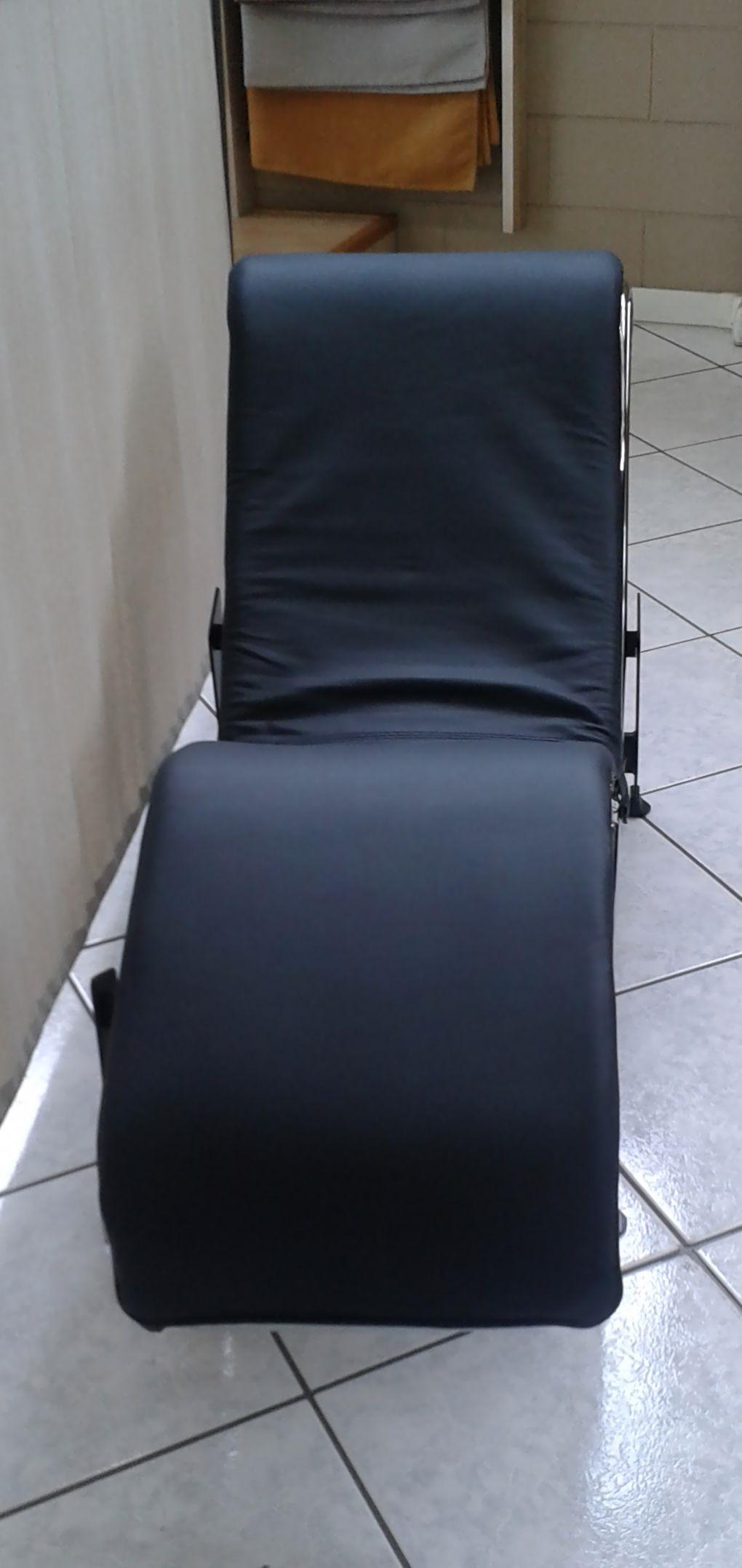 Chaise longue tiffany in promozione divani a prezzi scontati for Divani in promozione