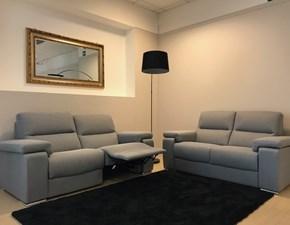 Coppia divani con una sedurta relax di Felis in promo