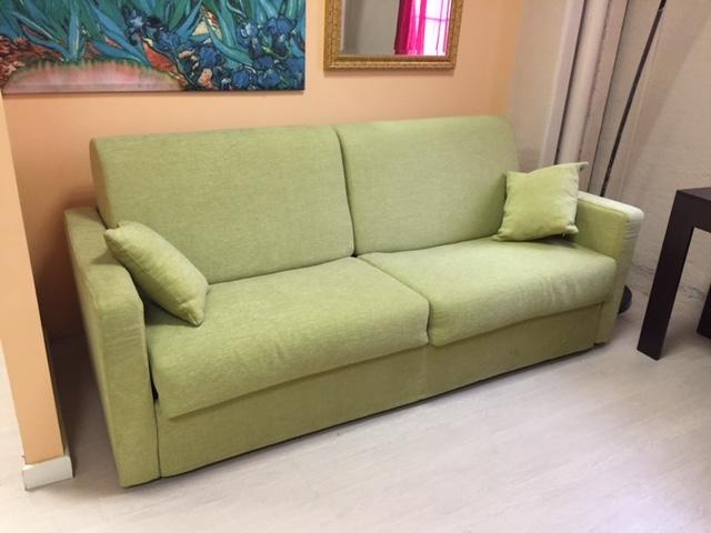 Crippa divani letti divano erica divani letto tessuto for Divani letti moderni