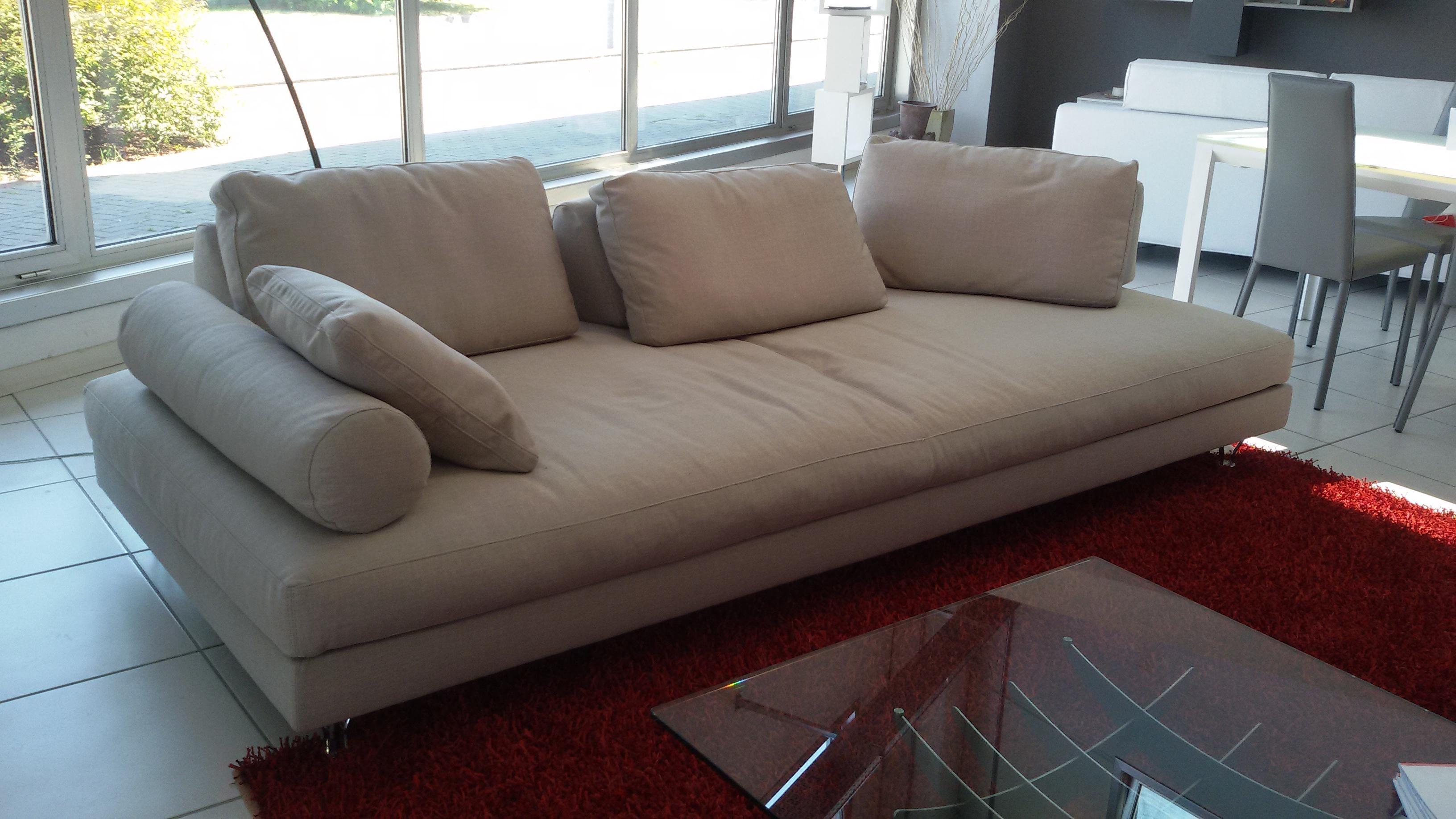 Dema divano fly tessuto scontato del 40 divani a for Offerte divani angolari in tessuto