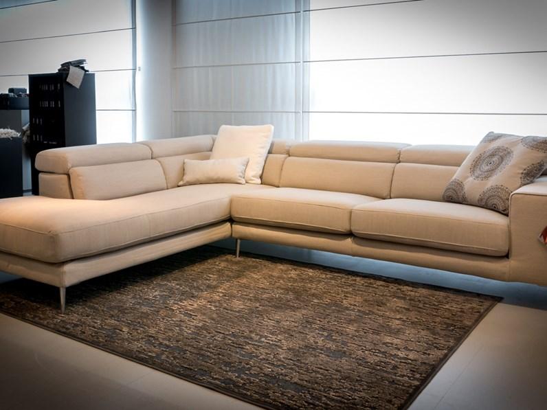 Ditre italia divano anderson angolare scontato del 35 for Divani quale marca scegliere