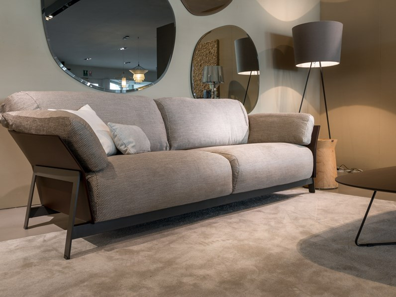 Ditre italia divano kanaha lineare scontato del 35 for Mondini arredamenti