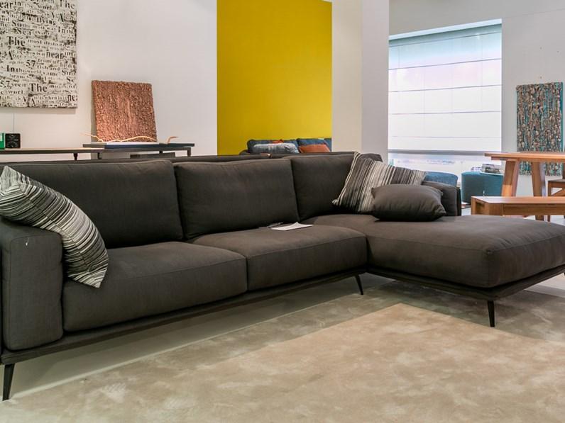 Ditre italia divano kris con chaise longue scontato del 35 for Mondini arredamenti