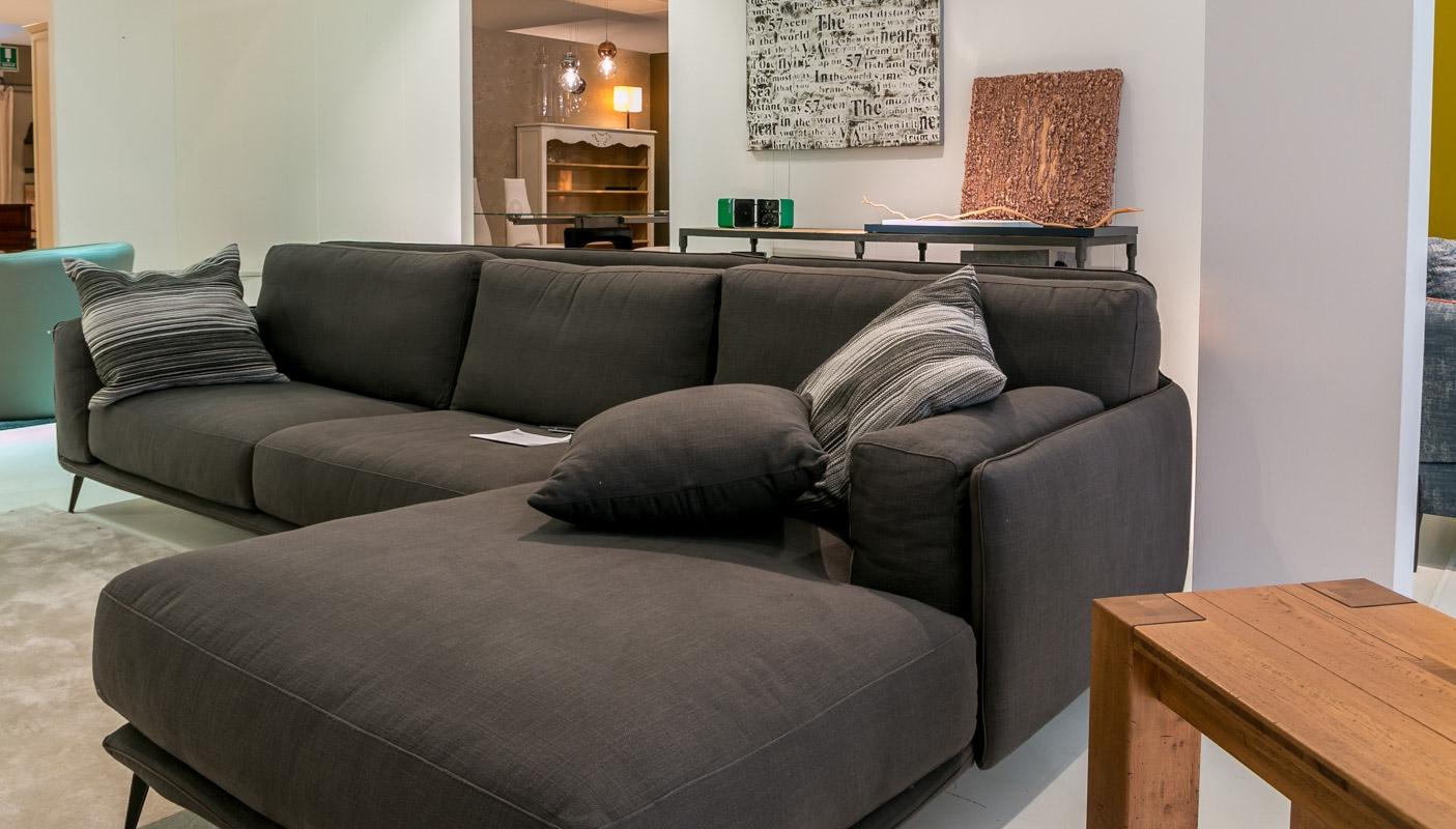 Ditre italia divano kris con chaise longue scontato del 35 for Divani moderni con chaise longue