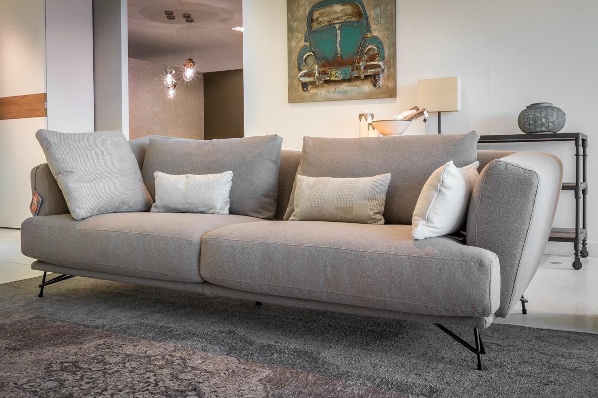 Ditre italia divano lennox scontato del 40 divani a for Outlet divani
