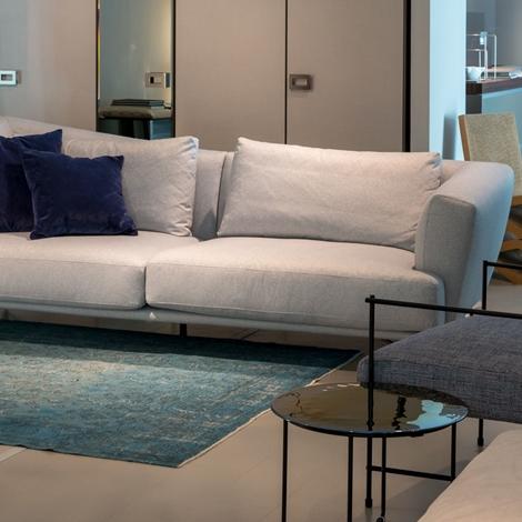 Ditre italia divano lennox sconto 45 divani a prezzi for Showroom divani milano