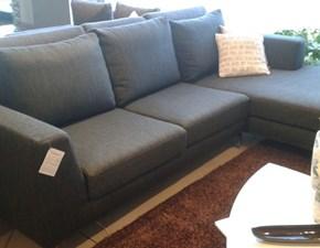 divani con penisola in offerta
