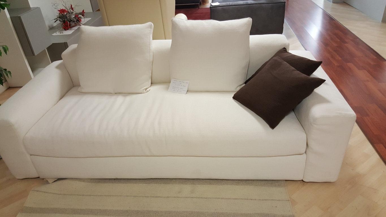 Divani design in tessuto poliform scontato 35 divani a for Outlet arredamento divani