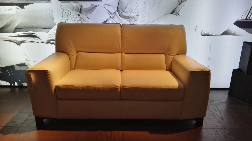 Divani divani by natuzzi divano agio pelle scontato 30 divani a prezzi scontati - Divano natuzzi prezzi ...