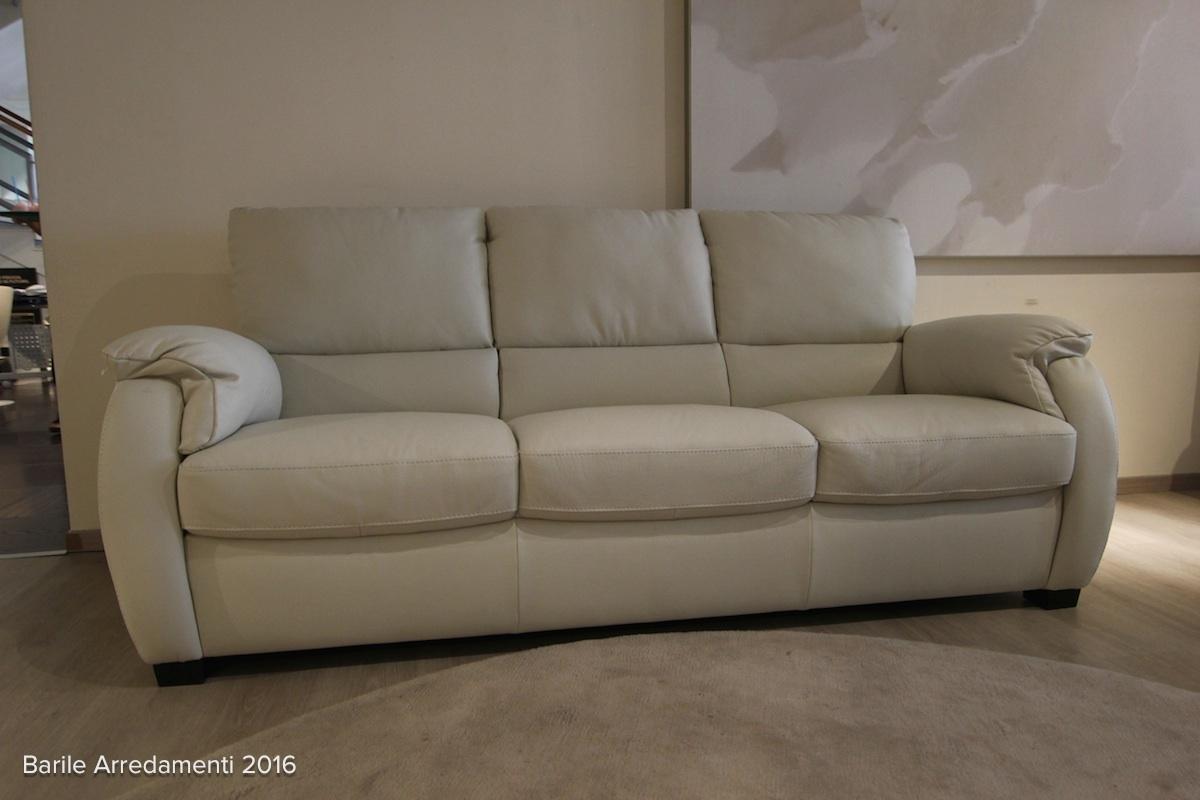 Divani divani divani divani by natuzzi modelli e prezzi for Mobili per divani