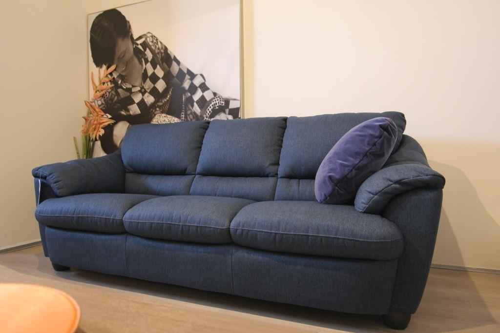 Divani divani by natuzzi divano elite in tessuto scontato del 50 divani a prezzi scontati - Divano natuzzi prezzi ...