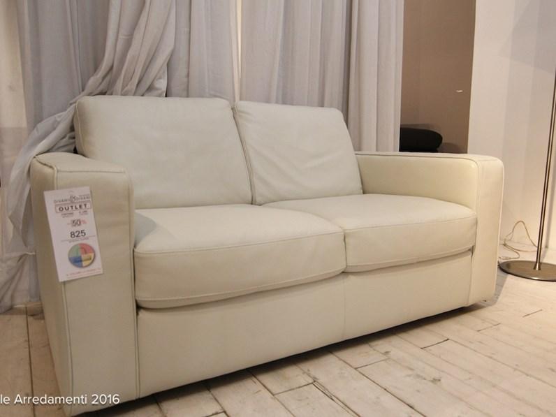 Divani divani by natuzzi divano mod fantasia pelle scontato 50 - Divano letto natuzzi prezzo ...