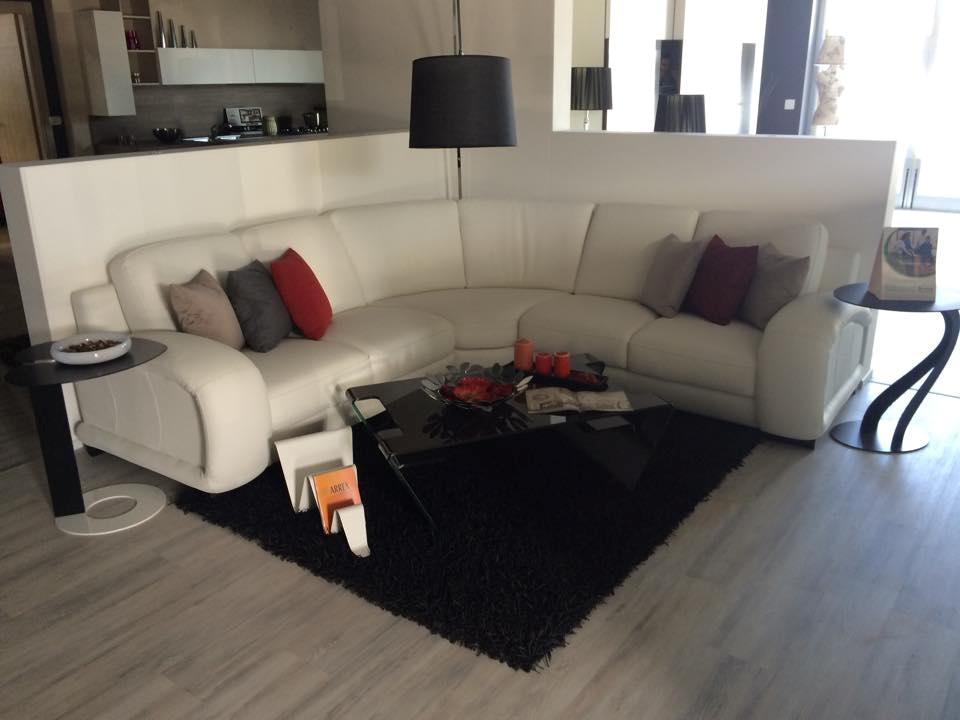 Divani in pelle napoli divani a prezzi scontati for Outlet arredamento napoli