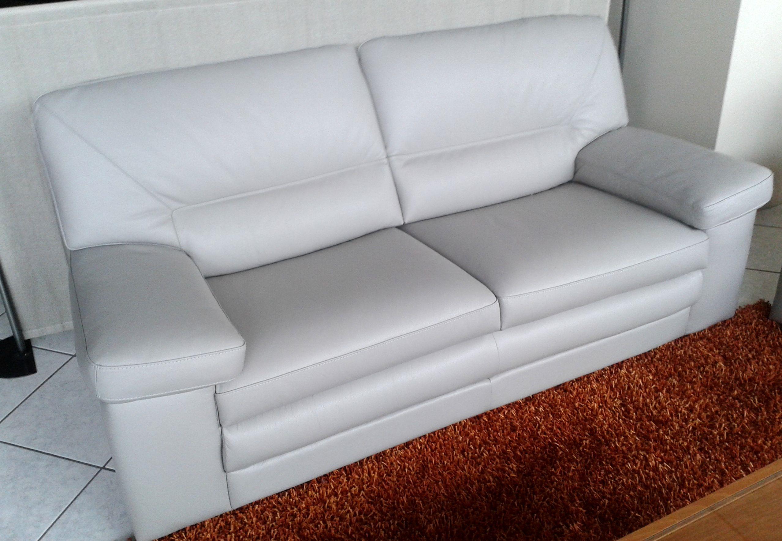 Divani pelle prezzi idee per il design della casa for Pelle divani usati