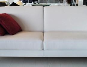 divani Poltrona Xaria scontato del 50% in pelle bianca