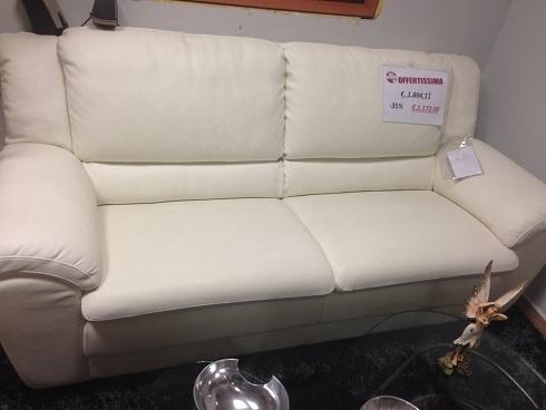 Divano 3 posti in pelle in offerta divani a prezzi scontati for Divano pelle 3 posti