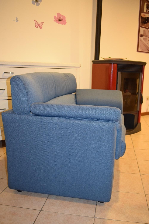 Divano a due posti con profondit 70 divani a prezzi for Divani due posti in offerta
