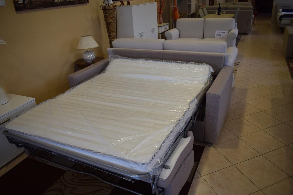 Divano a letto in tessuto a scelta qualit mottes mobili for Lunghezza divano tre posti