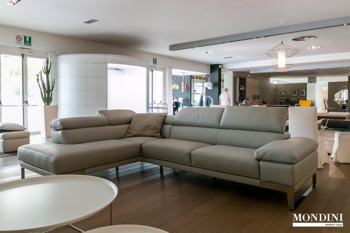 Divano ad angolo nicoletti modello domus scontato del 45 for Rivestire divano ad angolo