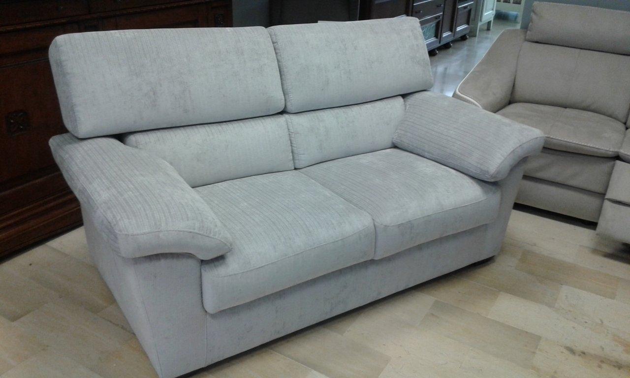 Divano aerre salotti divano modello pascoli 2 posti - Altezza schienale divano ...