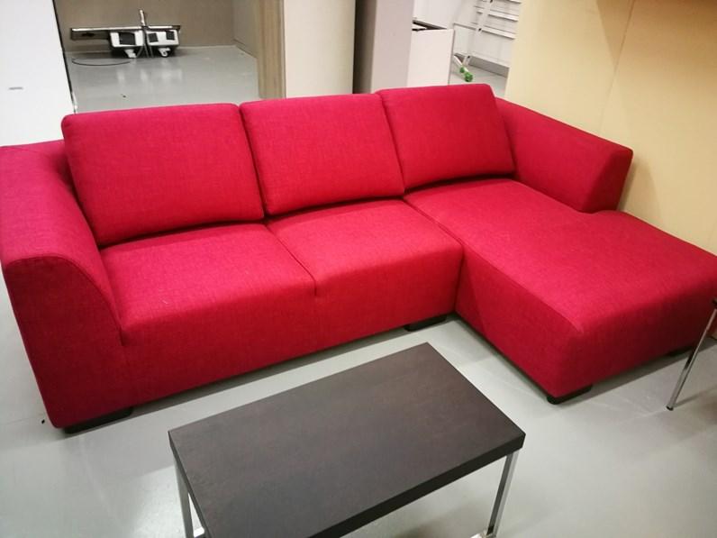 Divano alberta salotti divano boris divani con penisola - Rivestire divano in pelle ...