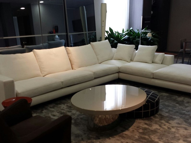Divani Minotti Catalogo. Elliott Coffee Table Via Minotti With ...