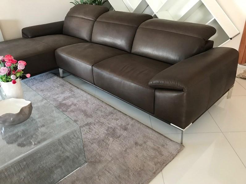 Divano angolare Ariete di Max divani a prezzo ribassato
