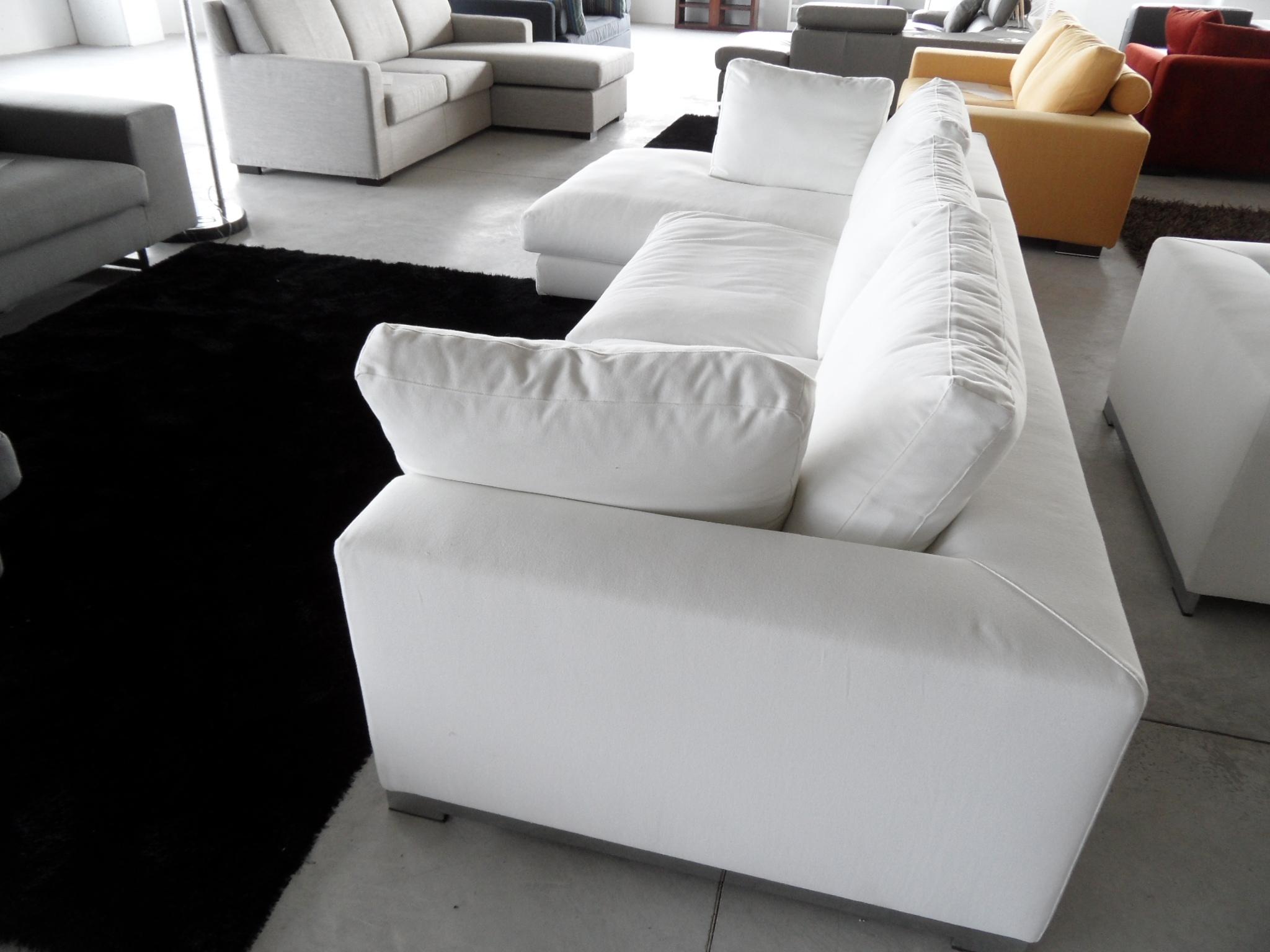 Divano angolare scontato del 40 divani a prezzi scontati - Divano angolare bianco ...