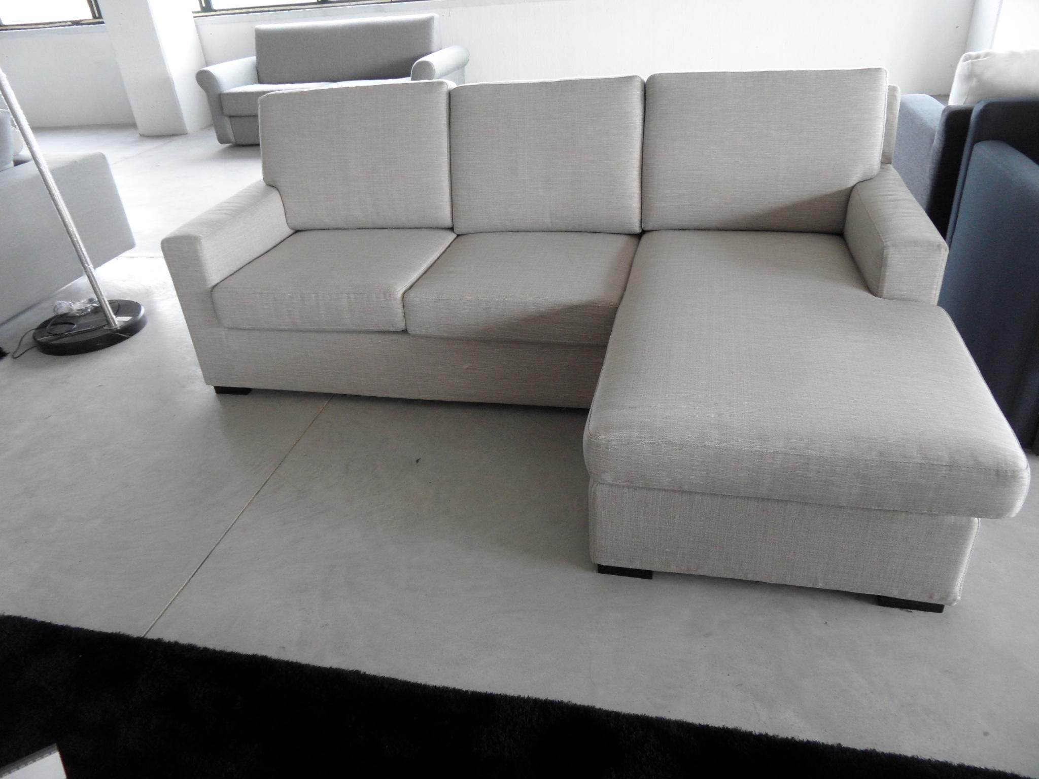 Divano angolare salvetti scontato del 60 divani a for Divani piccoli con penisola