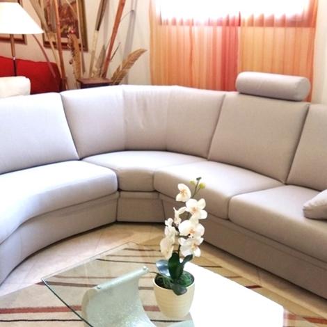 Divano angolare con terminale a goccia divani a prezzi for Divano angolare prezzi