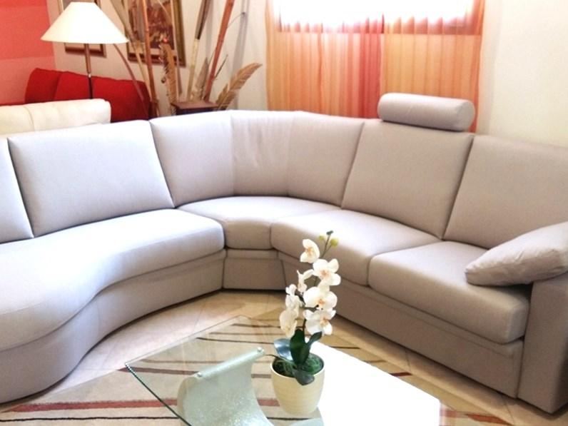 Soggiorno con divano angolare finest divani per soggiorno - Soggiorno con divano ...