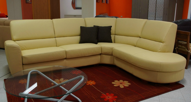 Divano angolare pelle il miglior design di ispirazione e for Divani e divani in pelle prezzi