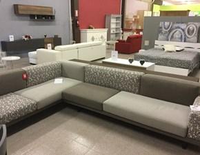 Divano angolare in Tessuto Doimo sofas a prezzo ribassato