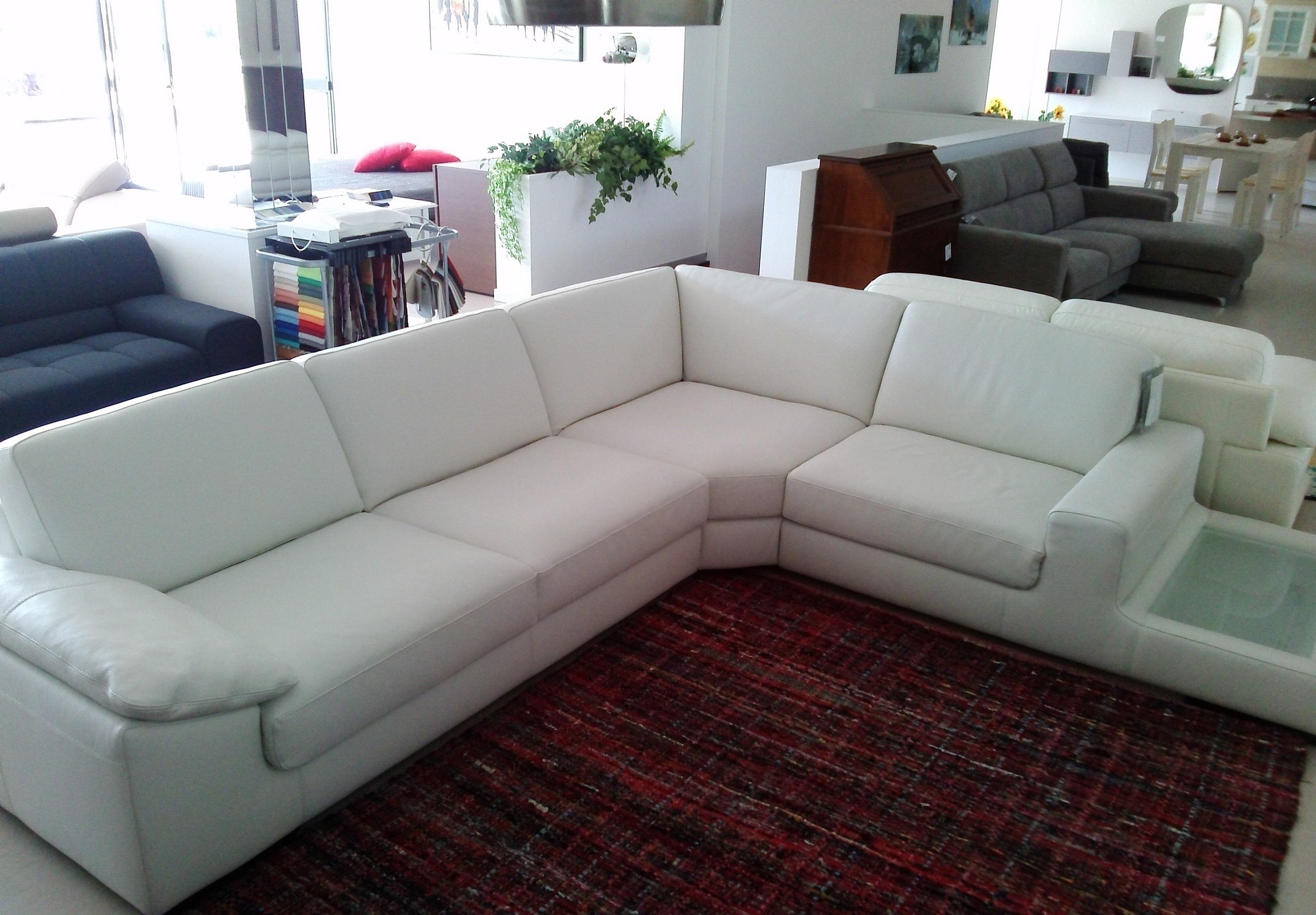 Nicoline salotti divano kronos scontato del 58 divani for Divano letto in pelle prezzi