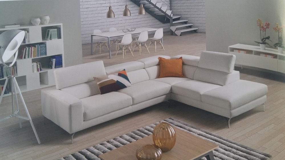 Divano angolo pelle sb salotti scontato del 56 divani a - Pelle del divano rovinata ...