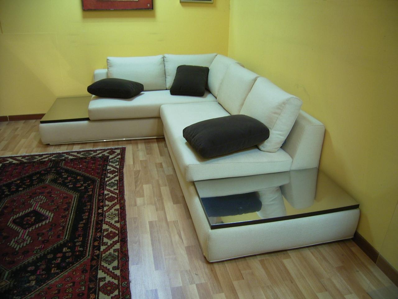 Divano angolo dimensioni idee per il design della casa for Divani esterni prezzi