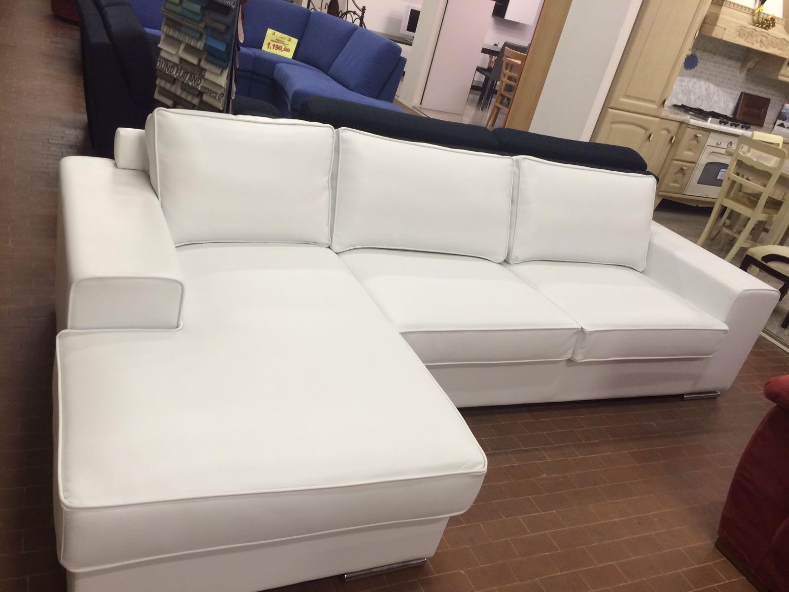 Divano bianco in pelle con penisola gienne italia divani for Divano letto bianco