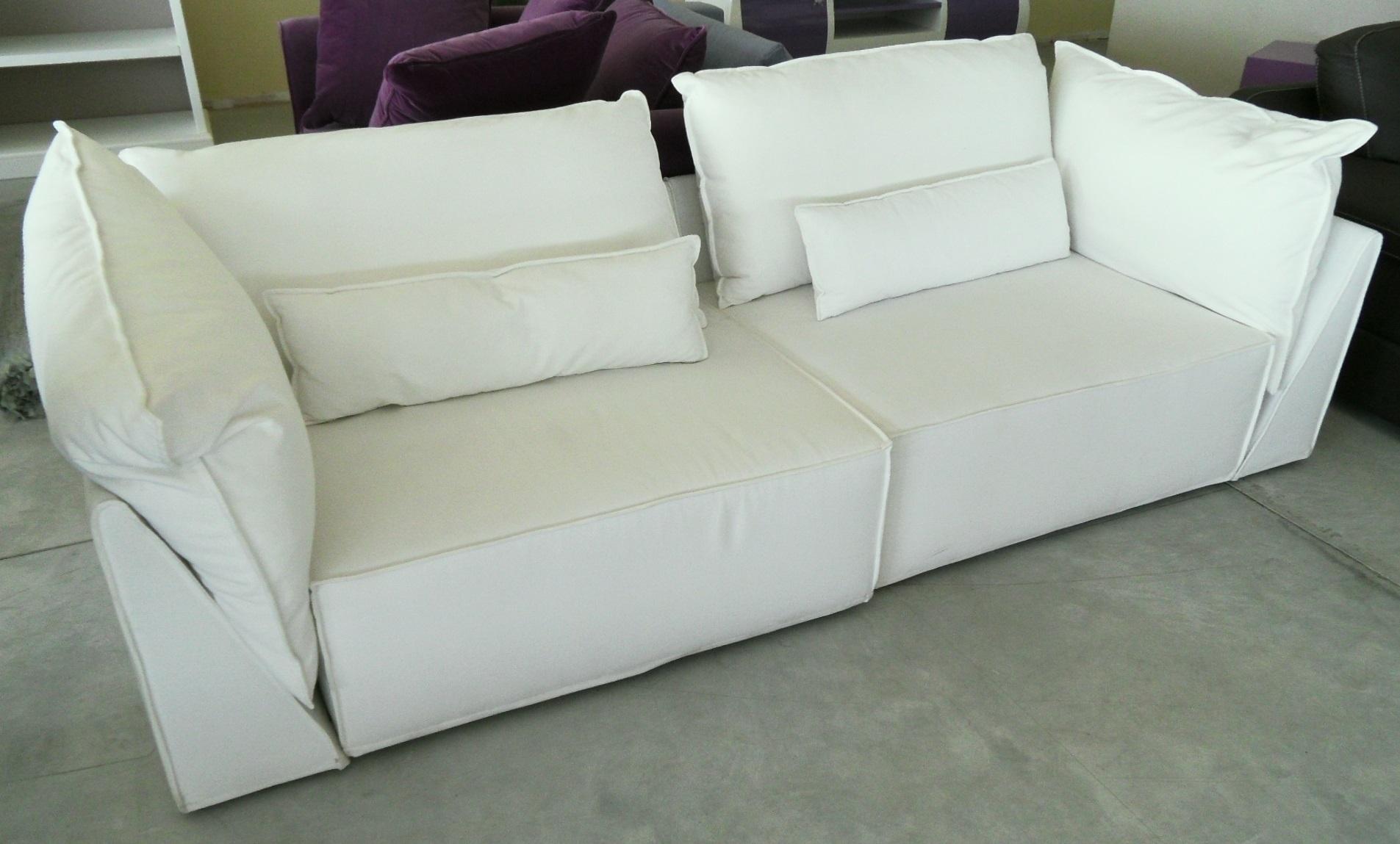 Divano in tessuto bianco scontato del 55 divani a for Divano in tessuto