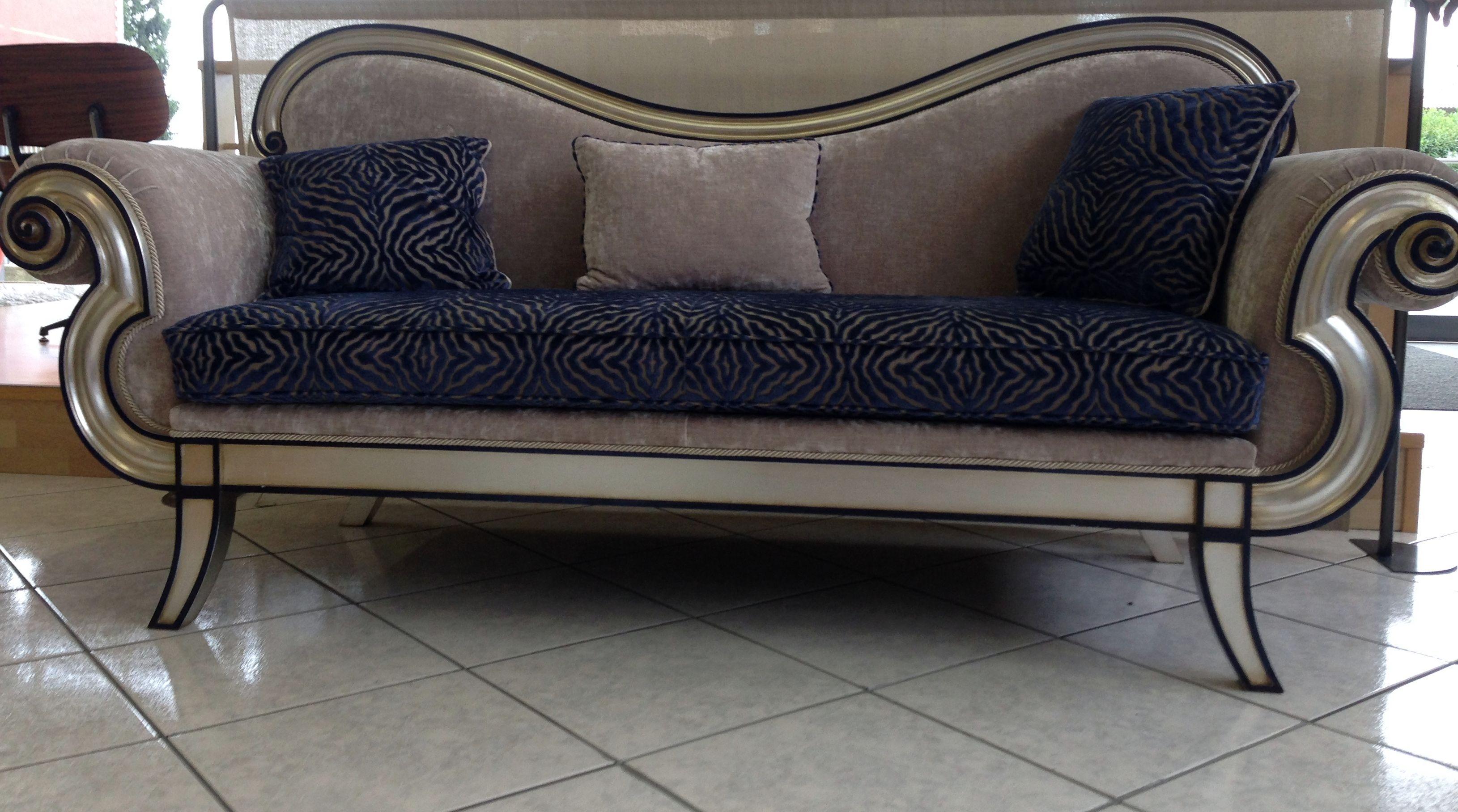 Soggiorno con divano blu la scelta giusta variata sul for Soggiorno con divano
